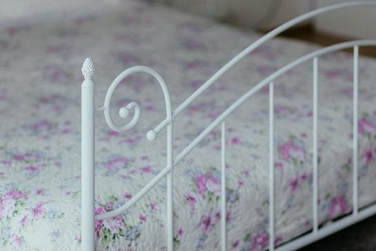 vintage-bed